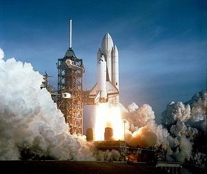 Polijetanje svemirske letjelice (Izvor: Wikimedia Commons)