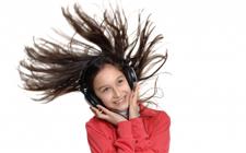 Djevojčica koja se smije (foto: FreeDigitalPhotos)